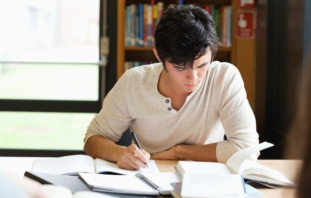 Develop an Interesting Title Using Essay Writing Services